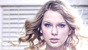 Taylor Swift Cute Blue Eyes Face Closeup
